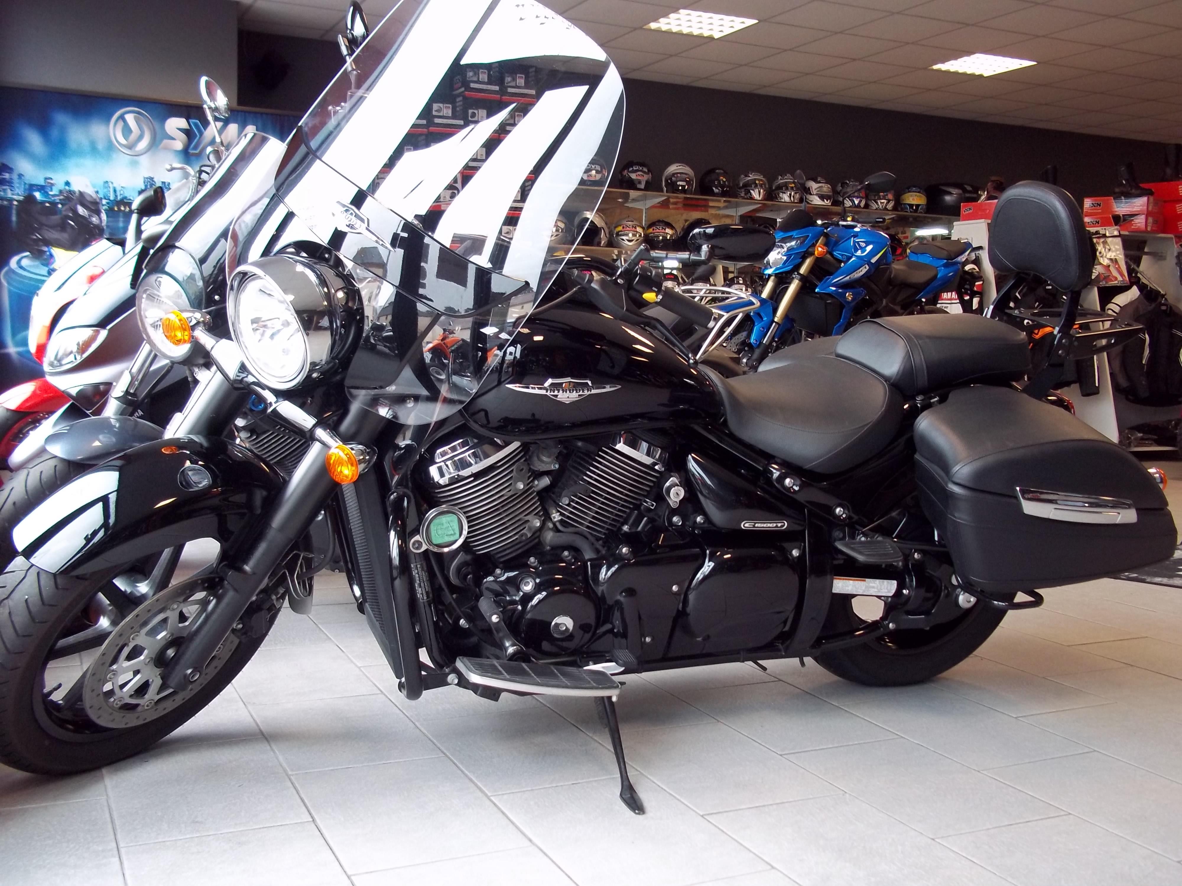 vente de véhicules moto neufs et occasions à Moto Garage dans le Maine et Loire